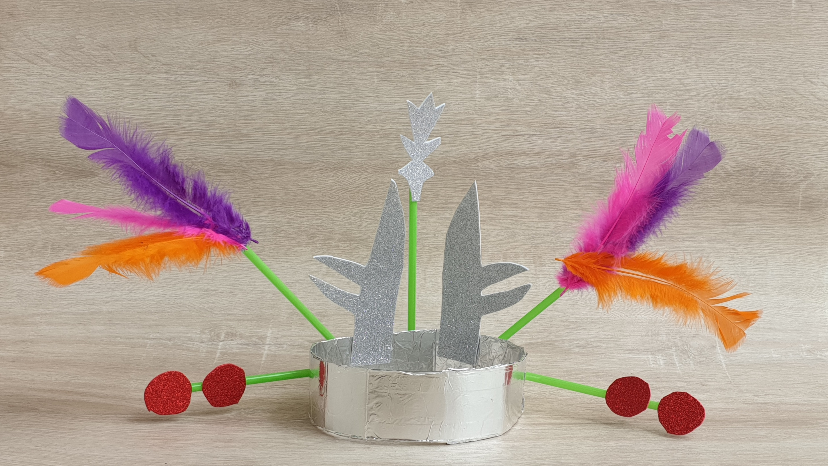 Make your own headdress by Lollibox
