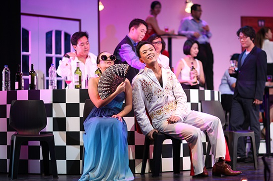 New Opera: Rebecca Li and David Charles Tay in Die Fledermaus