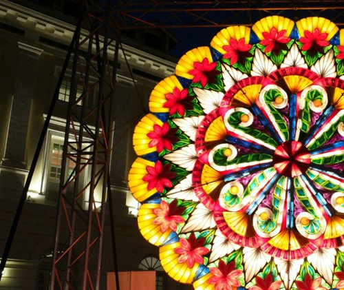 parol christmas lantern philippines light display river festival
